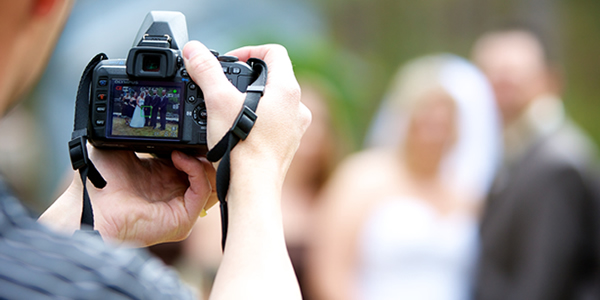 Tips on hiring wedding photographers